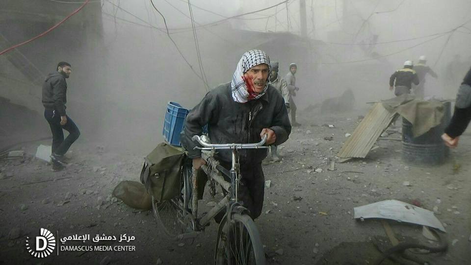 نشرة أخبار سوريا- مطالبات بوقف القصف البربري الذي يستهدف الغوطة الشرقية، والأمم المتحدة تصف معارك سورية بالأسوأ منذ اندلاع الحرب-(12-2-2018)
