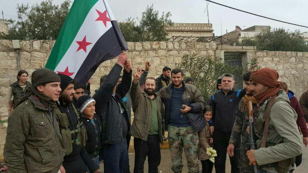 الثوار يحققون تقدماً واسعاً على حساب النصرة غربي حلب، ويقتربون من وصل جبل الزاوية بسهل الغاب في إدلب