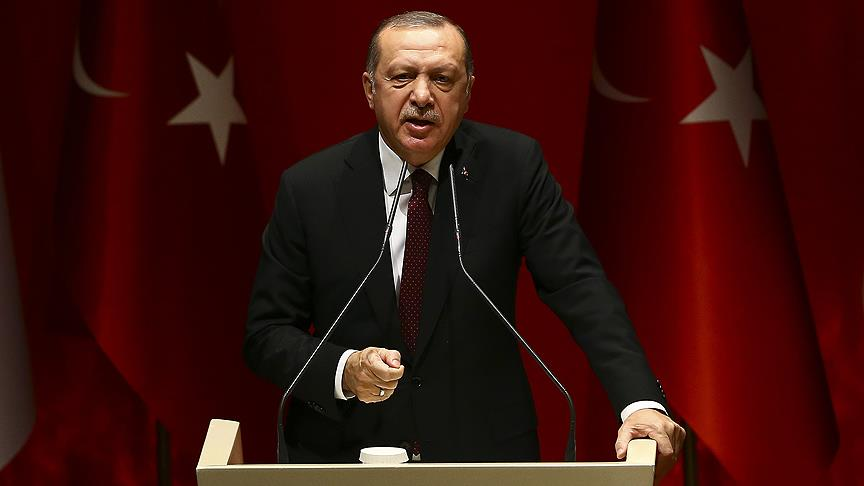 أردوغان يشنُّ هجوماً لاذعاً ضد فرنسا، ويعتبر تصرفها عداءً صريحاً لبلاده