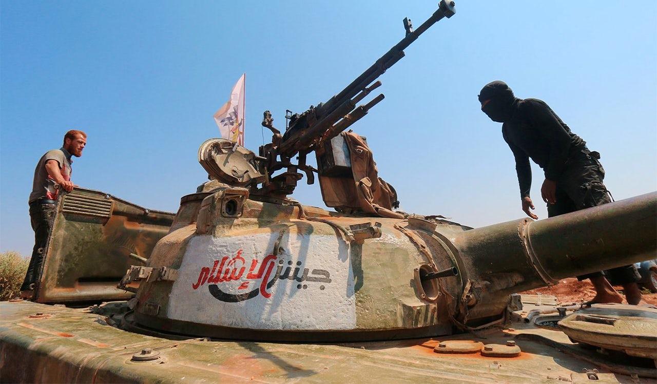 جيش الإسلام يوضح موقفه من إشاعات تسليم الرقة
