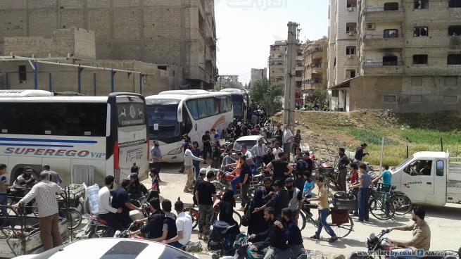 الدفعة الثالثة من مهجري جنوب دمشق تدخل تصل مدينة الباب