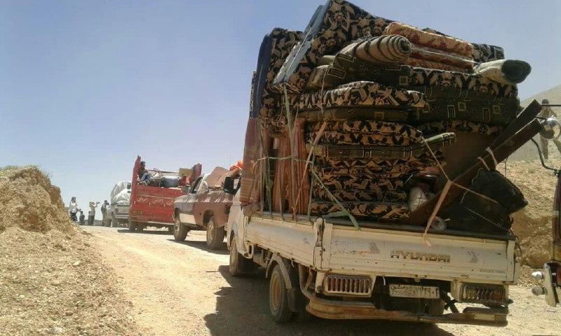 400 لاجئ سوري يعبرون الحدود اللبنانية إلى سوريا
