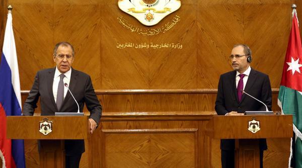 وزير الخارجية الأردني: قوافل المساعدات تنتظر إذن نظام الأسد للدخول
