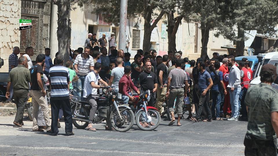 غضب شعبي في إدلب بسبب قضية المعتقلين