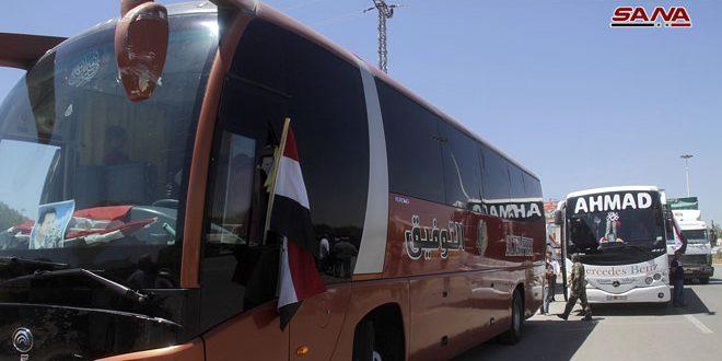 دفعة جديدة من اللاجئين السوريين في لبنان تصل الأراضي السورية