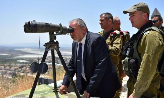 ليبرمان يبشر الإسرائيليين: الهدوء سيعود إلى مناطقكم بعد استعادة