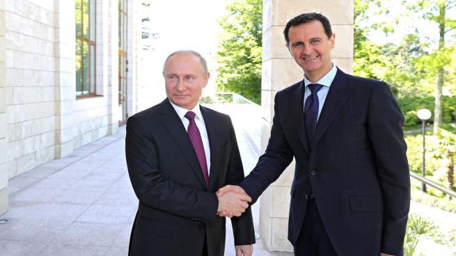 هل تنجح الجهود الروسية في إعادة تأهيل الأسد دوليًا؟