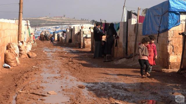 بريطانيا تتعهد بتقديم مساعدات طبية للنازحين في إدلب
