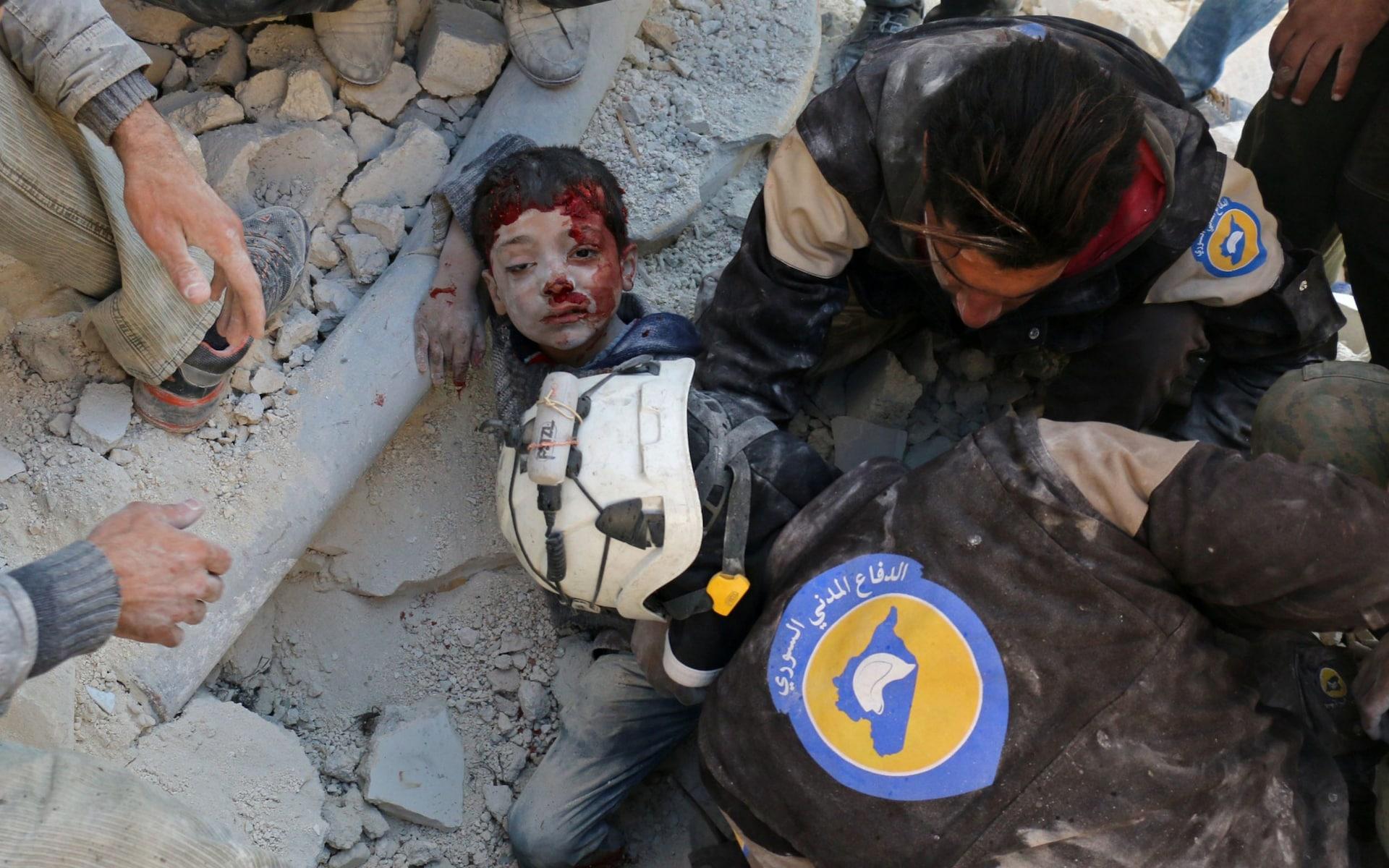 نشرة أخبار الثلاثاء - اشتباكات بين الحر وقسد شمالي حلب، وبريطانيا تمنح متطوعي الدفاع المدني  حق اللجوء-(25-9-2018)