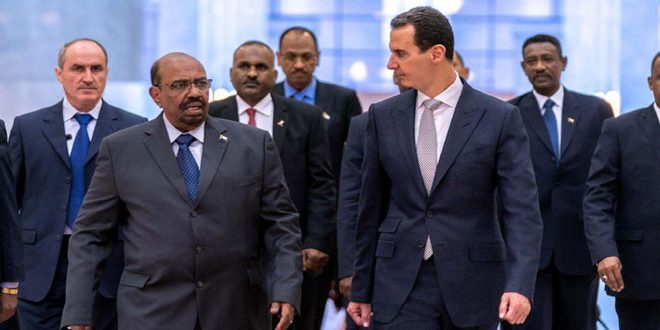البشير في ضيافة بشار.. وناشطون يعلقون بوسم