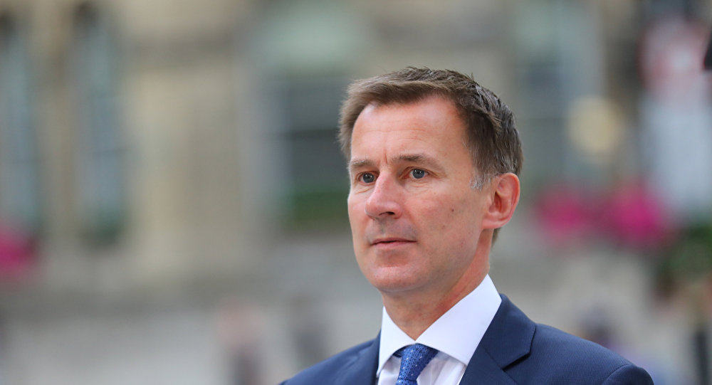 وزير الخارجية البريطاني: بشار الأسد باقٍ في السلطة