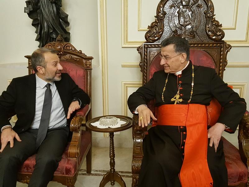 وزير الخارجية اللبناني يوضح موقفه من دعوة نظام الأسد إلى القمة الاقتصادية المرتقبة