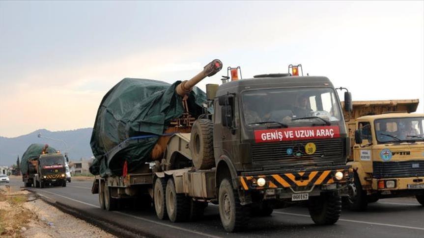تعزيزات تركية ضخمة تصل إلى الحدود السورية