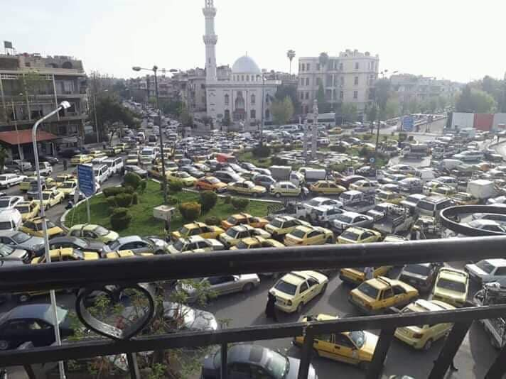 البنزين:النظام يواجه الظاهرة.. ويعجز أمام الأزمة