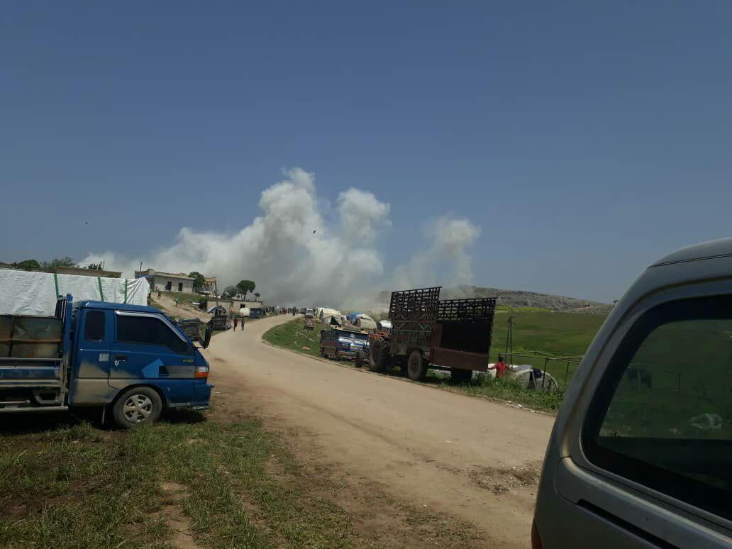 ضحايا مدنيون جراء  قصف على مخيم نازحين قرب النقطة التركية بريف حماة