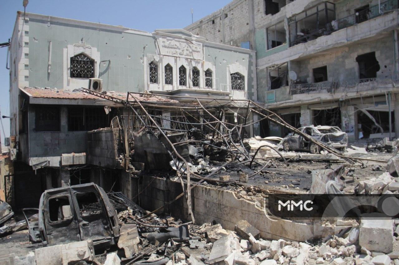 طيران الأسد يحرق جنوب إدلب .. مشفى دار الحكمة خارج الخدمة (صور)