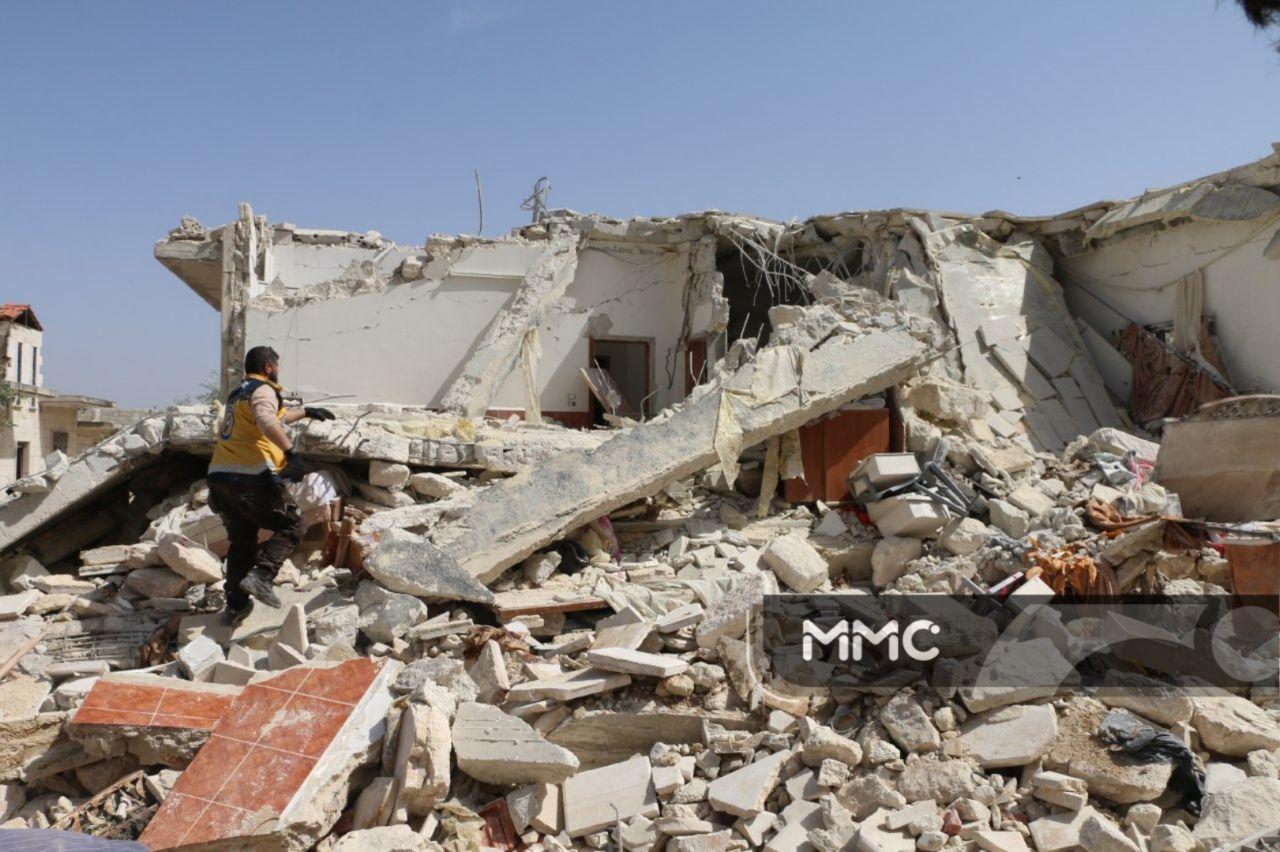 القصف مستمر على إدلب ..خمس ضحايا حصيلة مجزرة جديدة في معرة النعمان