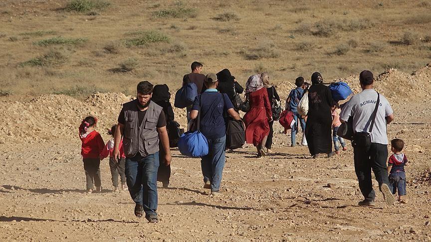 رئيس بلدية عرسال اللبنانية: آلاف السوريين يبيتون في العراء
