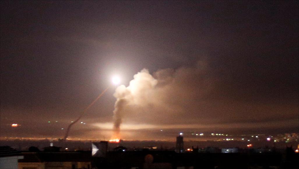 حصاد أخبار الاثنين - غارات إسرائيلية ليلية على مواقع الميلشيات الإيرانية في دمشق وحمص، والتحالف الدولي يعلن مسؤوليته عن استهداف موقع غرب حلب -(1-7-2019)