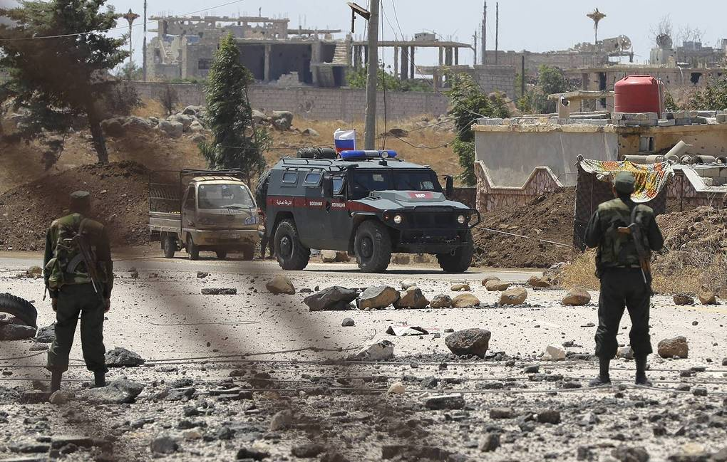 ريف حلب: إصابة ثلاثة جنود روس إثر استهداف عربتهم بعبوة ناسفة