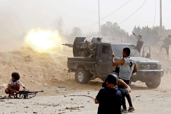 حكومة الوفاق الليبية تكشف عن وصول مقاتلين سوريين ومرتزقة روس للانضمام إلى قوات حفتر