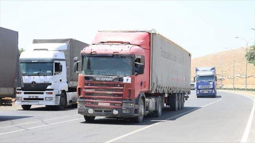 49 شاحنة محملة بمساعدات إنسانية أممية تدخل إدلب
