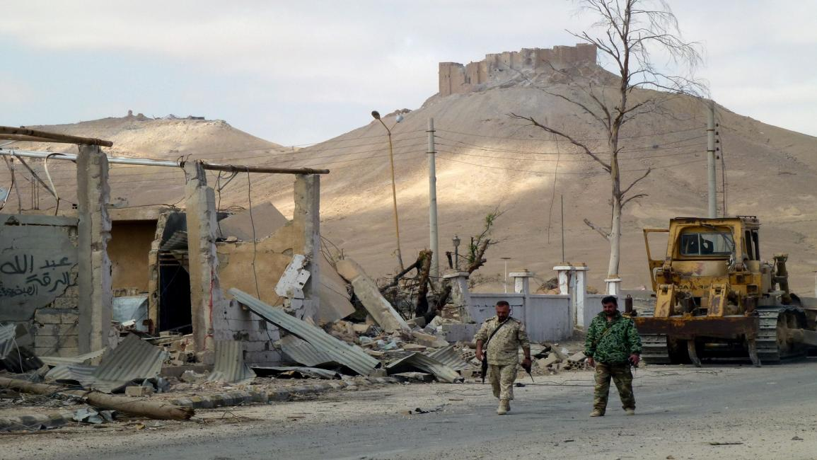 المليشيات الإيرانية تسطو على آثار البوكمال