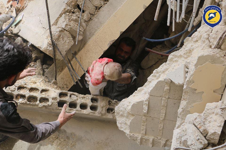 غارات على ريف دمشق تخلف عشرات القتلى والجرحى