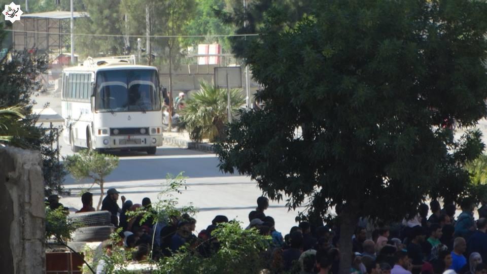 الدفعة الأخيرة من مهجري القابون تصل إلى إدلب
