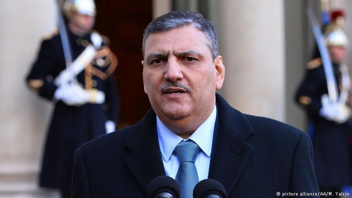 حجاب يؤكد للرئيس الفرنسي على ضرورة تبني استراتيجية جديدة للعملية التفاوضية