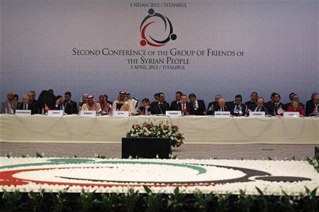 أصدقاء سوريا يعترف بالمجلس الوطني ممثلا شرعيا