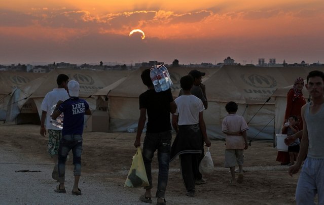 قطر تطالب بإقامة ملاذات آمنة للسوريين في سوريا