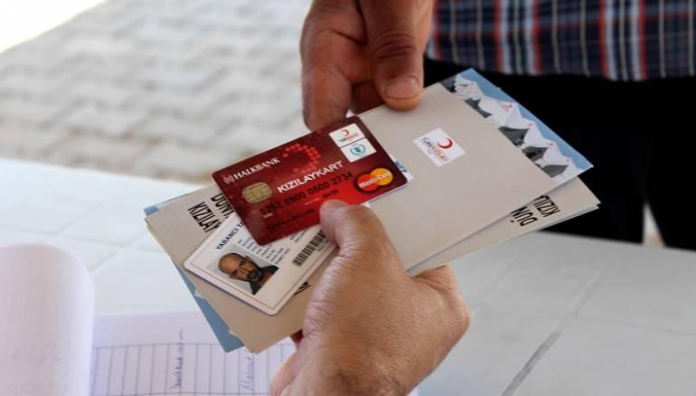 150 ألف سوري -من أصل مليون- تقدموا للحصول على بطاقة الدعم المالي في تركيا