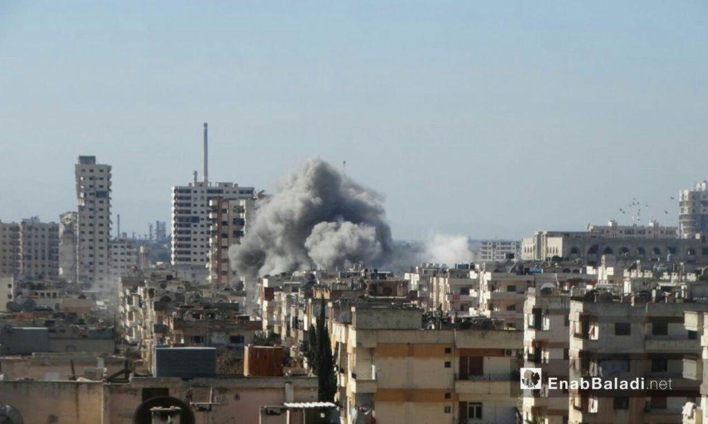 قصف هستيري على القابون، وقوات النظام تستهدف مقبرة بحرستا وتقتل 10 مشيعين