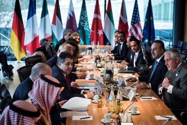 واشنطن تربط تعاونها مع موسكو بتغيير نظرتها للمعارضة،وباريس تطالبها بالضغط على الأسد