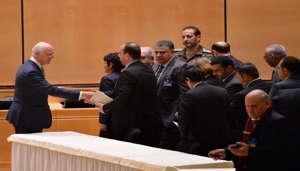 وفد المعارضة السورية في جنيف يلتقي دي ميستورا للرد على مقترحاته