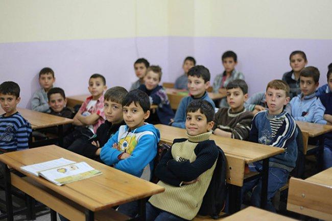 200 ألف طفل سوري يتلقون تعليمهم في المدارس التركية