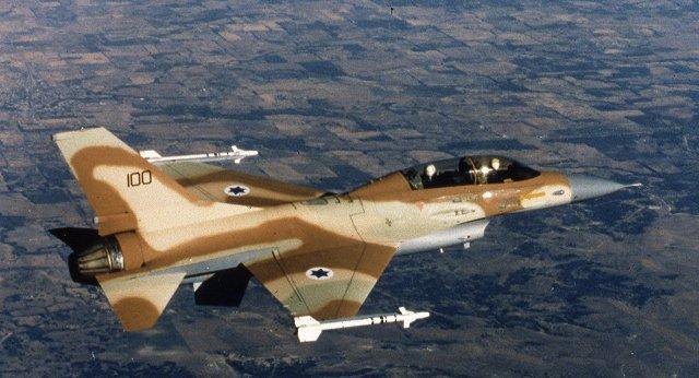 جيش النظام يدعي إسقاط طائرة إسرائيلية وإصابة أخرى بعد خرقها الأجواء السورية