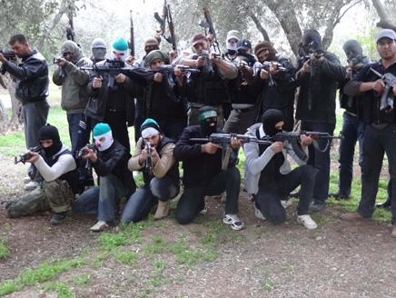 الجيش الحر يوحّد صفوفه في ريف العاصمة ضمن