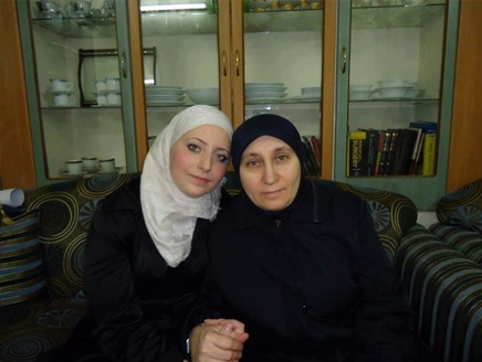 غموض يلف مصير 3 معتقلات في السجون السورية