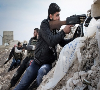قواته مرهقة وفي وضع دفاعي: النظام السوري يحترق