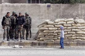دمشق «محمية عسكرية ومقطعة الأوصال».. و«السور العسكري» يصعب اختراقها