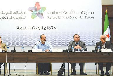 «الجيش الحر» يتعهد بالولاء لحكومة المعارضة الجديدة ويستهدف قصراً رئاسياً ومطار دمشق