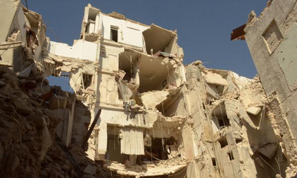 الجيش الحر يستهدف مطار دمشق الدولي.. وتوقعات بقرارات أمريكية مصيرية