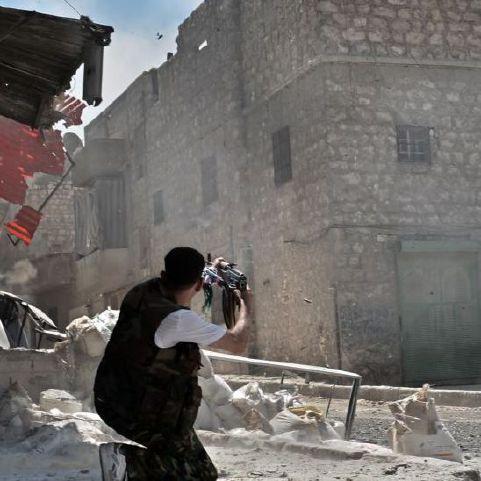 نشرة أخبار سوريا- قتلى وجرحى في اشتباكات بين فيلق الرحمن وهيئة تحرير الشام في كفربطنا، والمجلس المحلي في البلدة يحمل الأخير مسؤولية الهجوم -(17-9-2017)