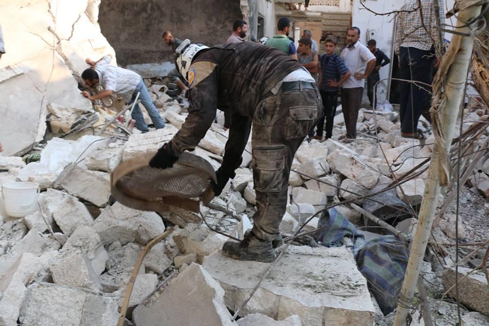 الطيران الروسي-الأسدي يستهدف مناطق إدلب بعشرات الغارات الجوية