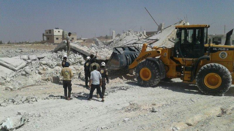خان شيخون: خروج مراكز الدفاع المدني عن الخدمة بعد استهدافها بثماني غارات
