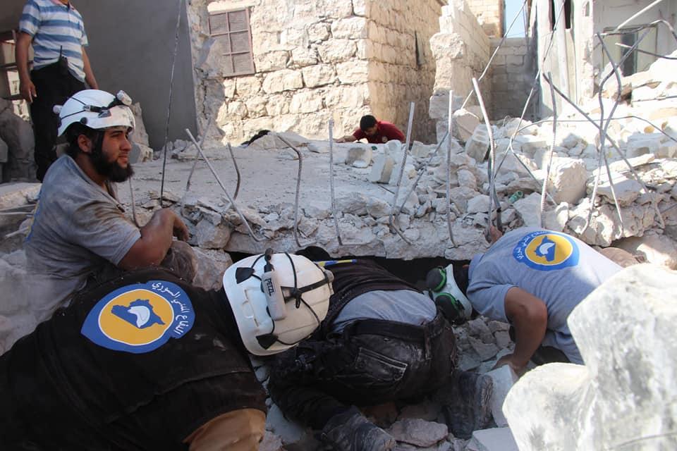 قصف هستيري وأكثر من 70 غارة على ريفي إدلب وحلب منذ صباح اليوم