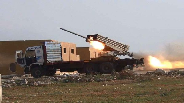 نشرة أخبار سوريا- المجاهدون يحررون 3 حواجز في ريف دمشق وريف حماة الشرقي، ويستهدفون معسكر جورين في إدلب بأكثر من 200 صاروخ- (14_7_2015)