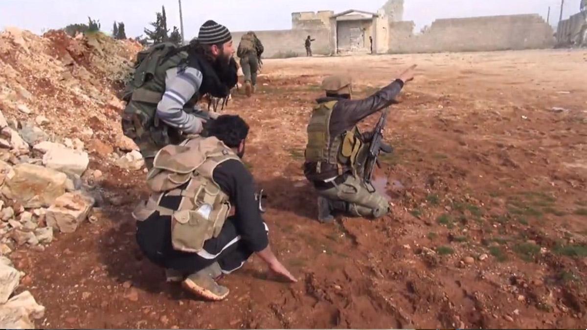 نشرة أخبار سوريا- استعادة السيطرة على بلدة كفين بريف حلب الشمالي وقتل العشرات من قوات أسد، وأطفال ريف دمشق يطلقون نداء استغاثة لإدخال لقاح الأطفال -(8_2_2016)